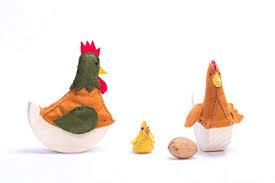Imagen de Família gallo, gallina y pollito de madera y lana